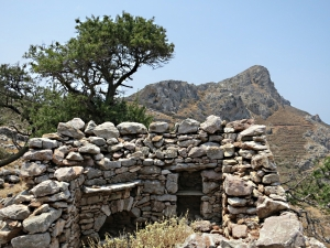 The deserted settlement above Agios Pavlos with another perspective on Thymadheri