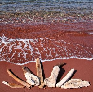 T07 red beach art 14w - 6362