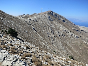 Looking back to the summit from one of the intervening rock otcrops