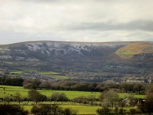 Looking West, a sprinkling of snow on the east-facing scarp