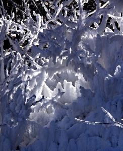 A hoar frost grotto