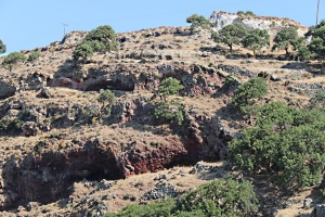 Soon the caves in the softer volcanic rock at the northern end of the caldera come into view.